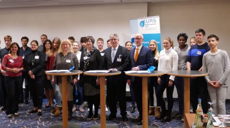 neue Lernpartnerschaft in Bonn zwischen Bonns F[nfter und dem Maritim Hotel geschlossen